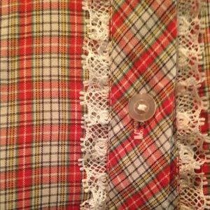 Red plaid farm blouse with lace detailing XS S 2 4